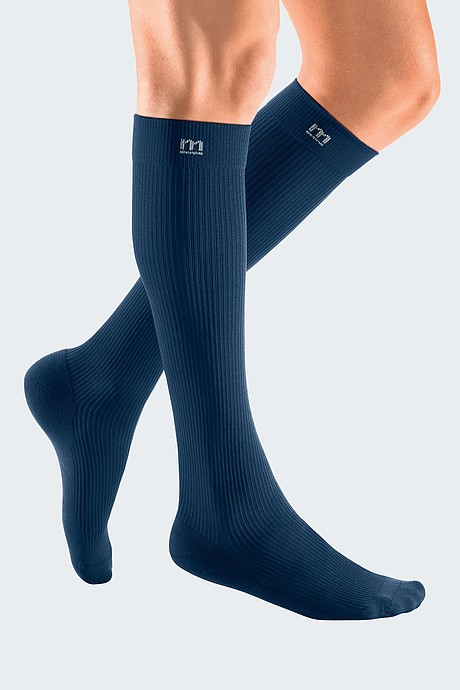 sporty compression stocking for men blue